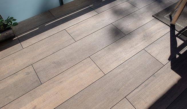 Favoriete De 5 mooiste houtlooktegels voor balkons - | Exclusieve Dakterrassen YD35